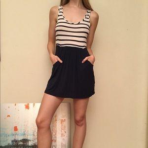 🦋🌻SOPRANO brand dress pockets stripes Sz Small S